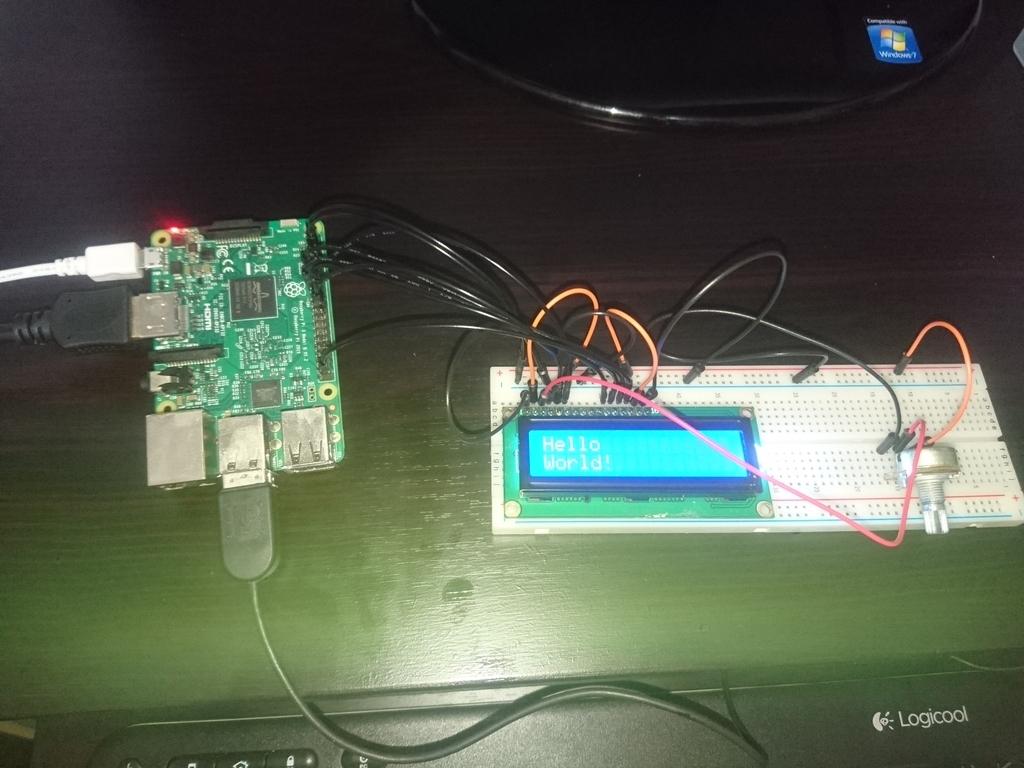 RaspberryPiでLCDに文字表示